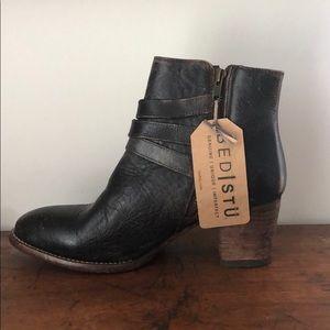 Dark brown leather bootie.